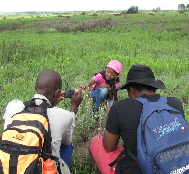 Photographing Samkelisiwe and Pelargonium at Entabeni Hlatikulu CROP