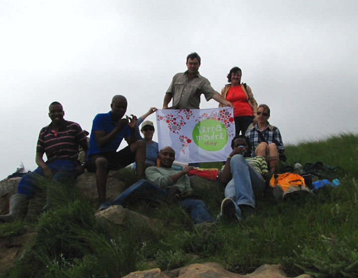 picnc on table mountain.res