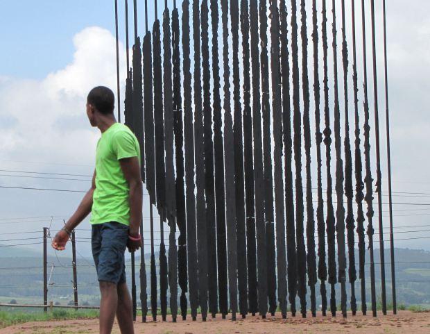 Nkulu at mandela monument res