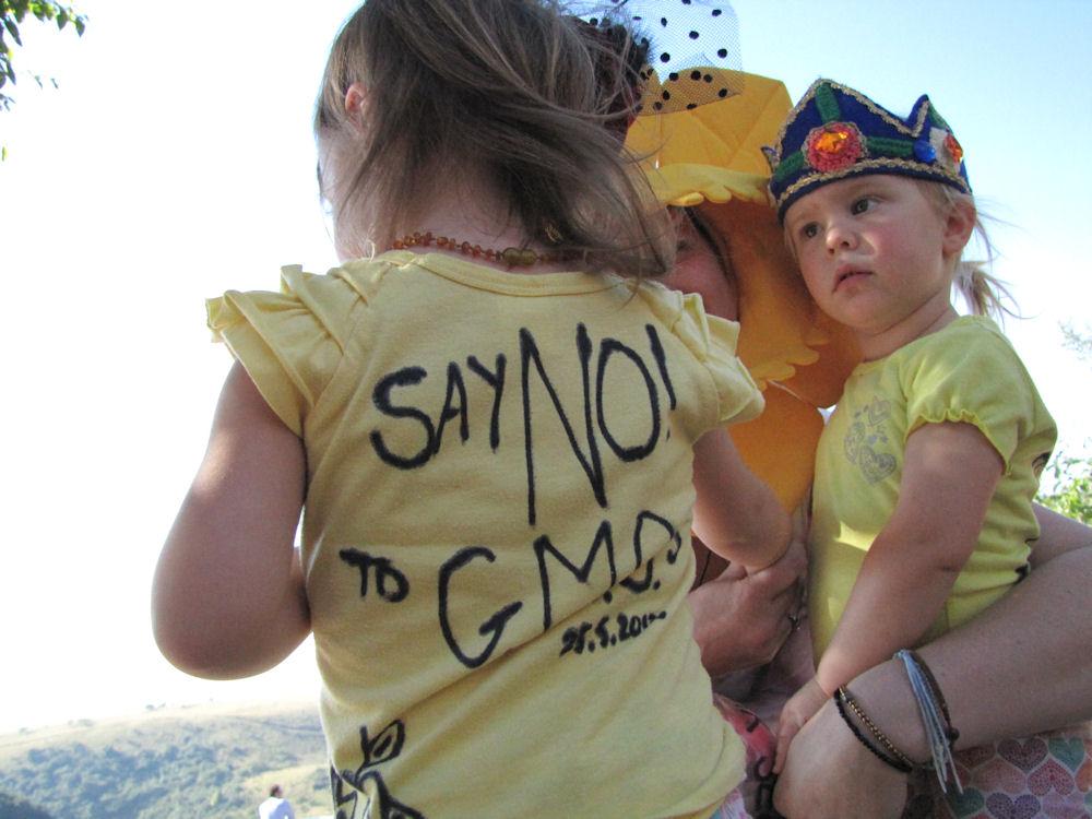 r anti gm seeds girls