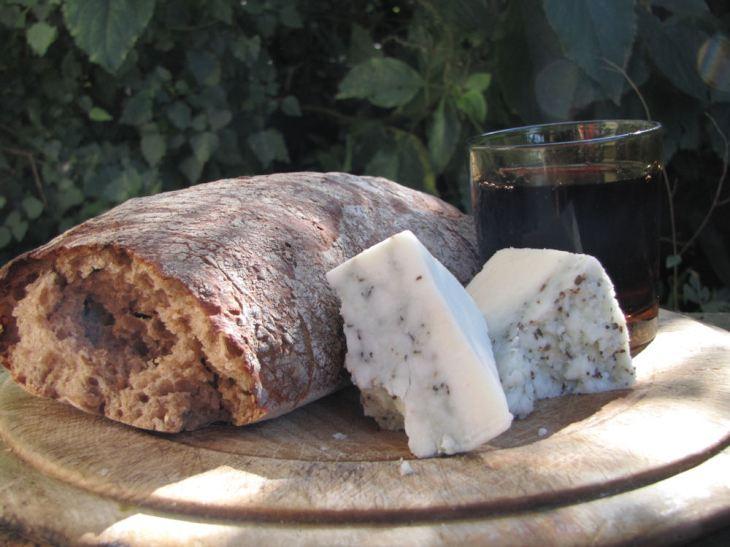 r bread cheese wine