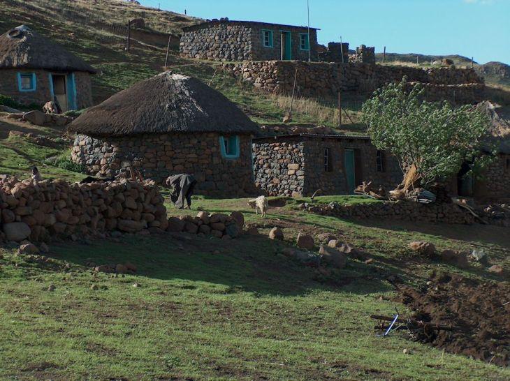 r stone dwellings
