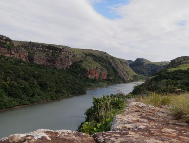 r mtentu river from top of gorge