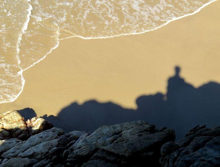 r shadow rocks beach