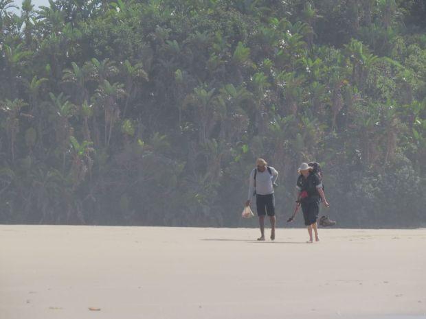 r vuyani christeen beach