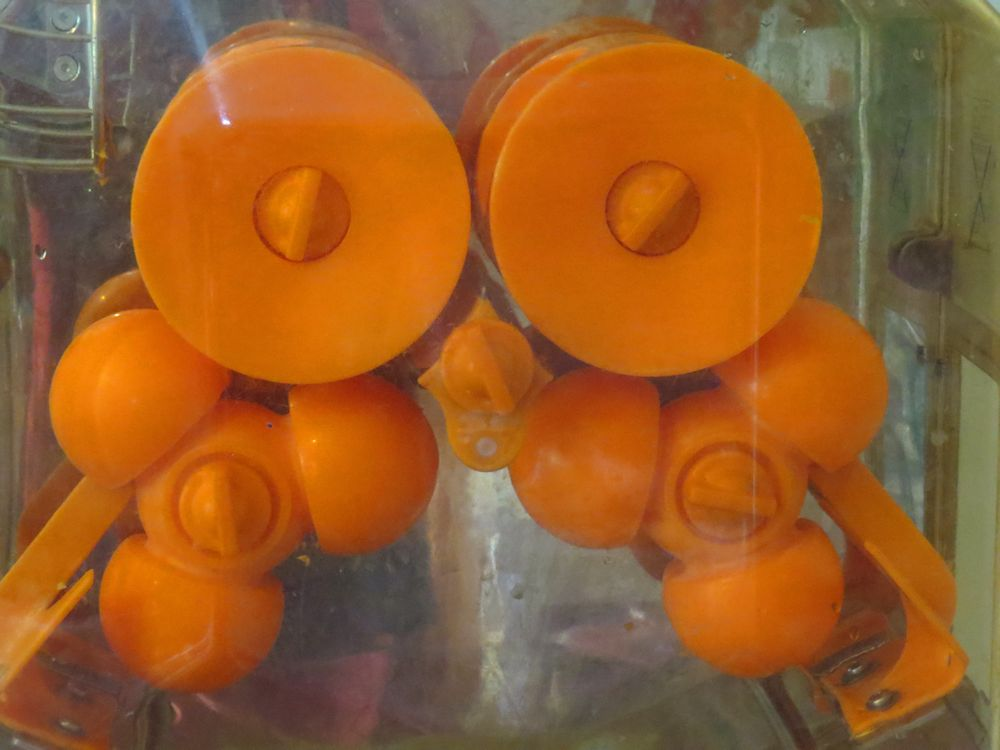 r orange squeezer