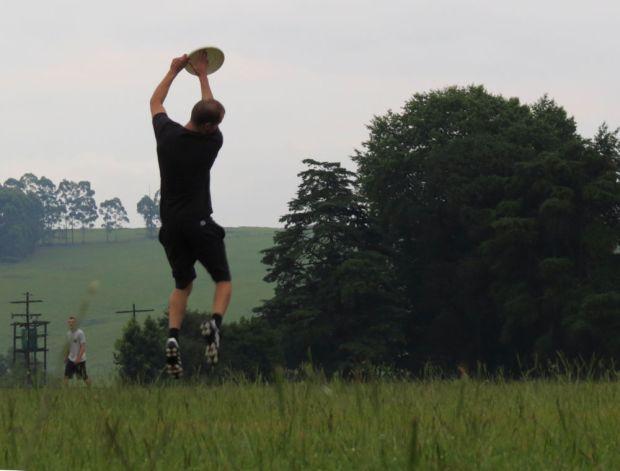 r-frisbee-catch