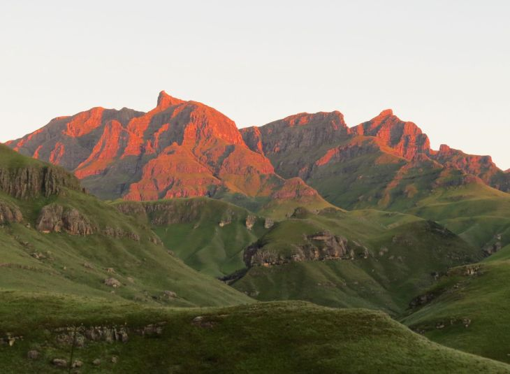 r-mountain-dawn