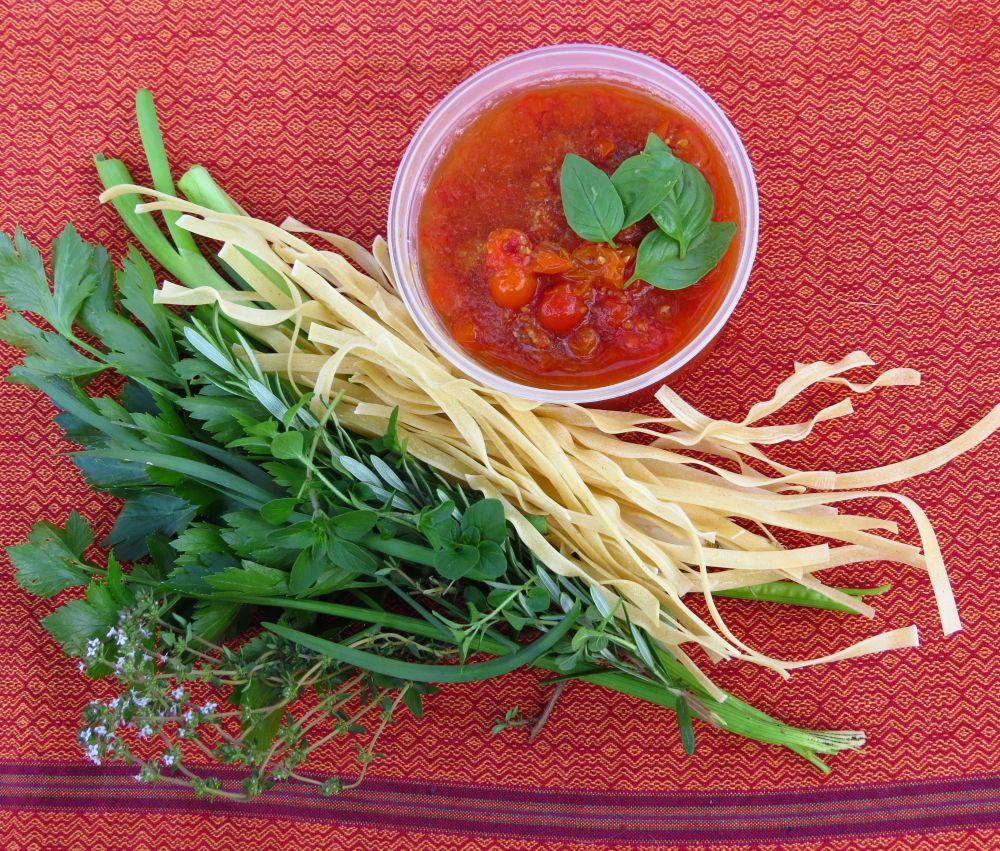pasta tomatoes herbs